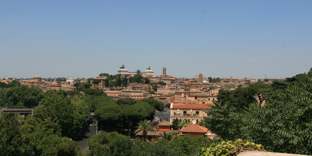 Capitoline_hill_from_Aventine_hill
