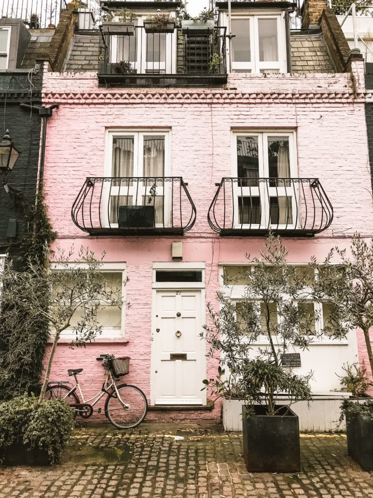 Notting Hill Travel Guide | WORLD OF WANDERLUST