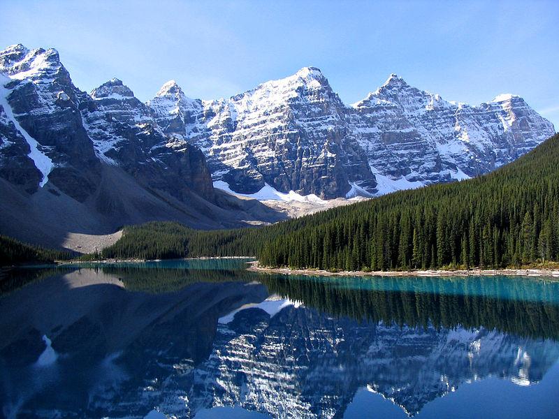 Moraine_Lake_wikicommons 2