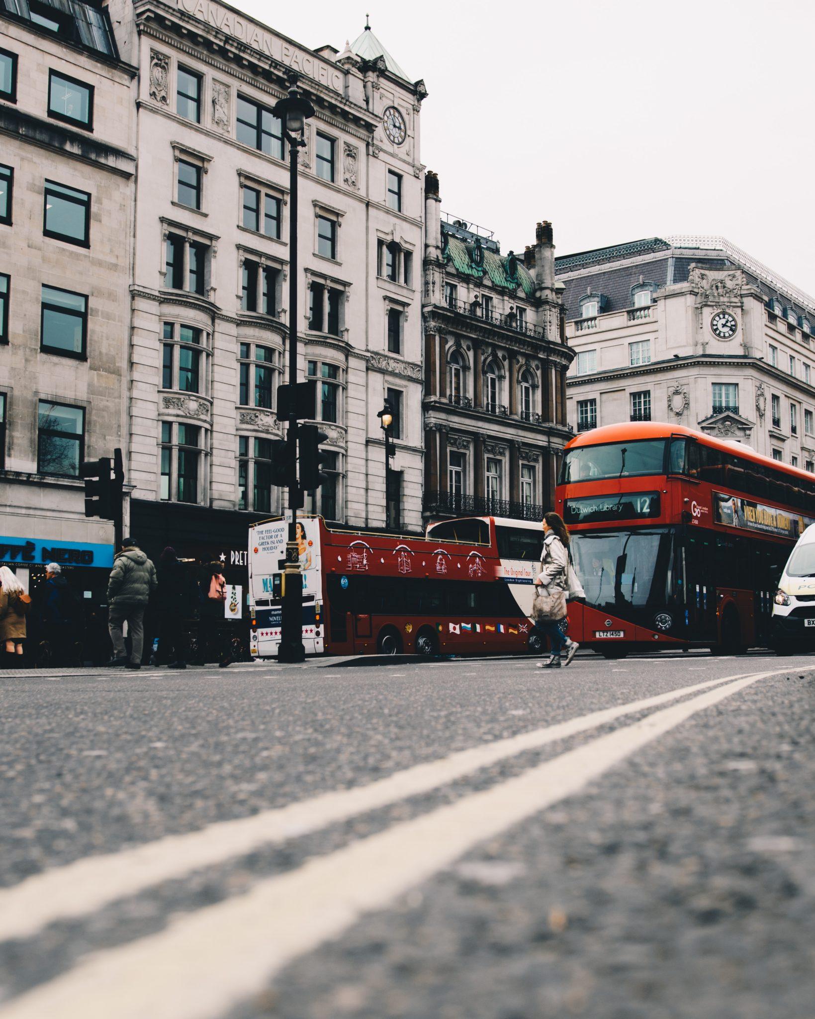 Trafalgar square London | WORLD OF WANDERLUST