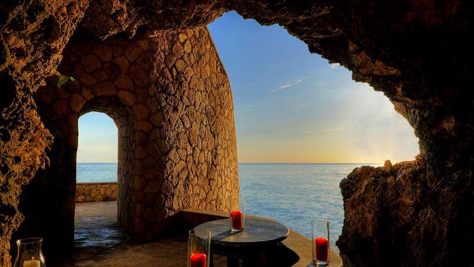 Jamaica Caves Hotel