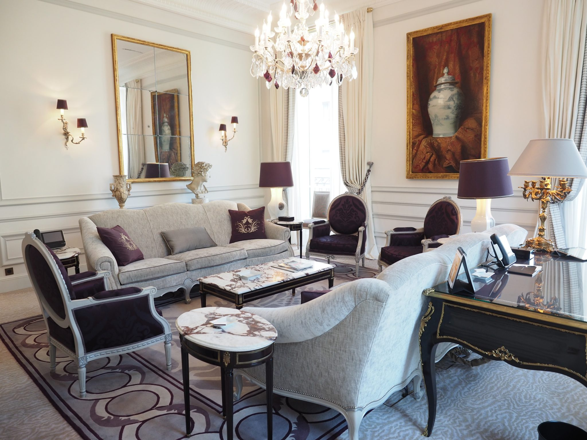 Step inside one of the best luxury hotels in Paris!