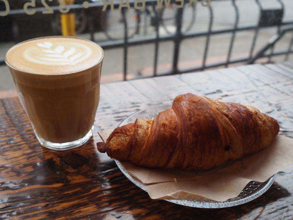 Café en Revolver Gas Town Vancouver