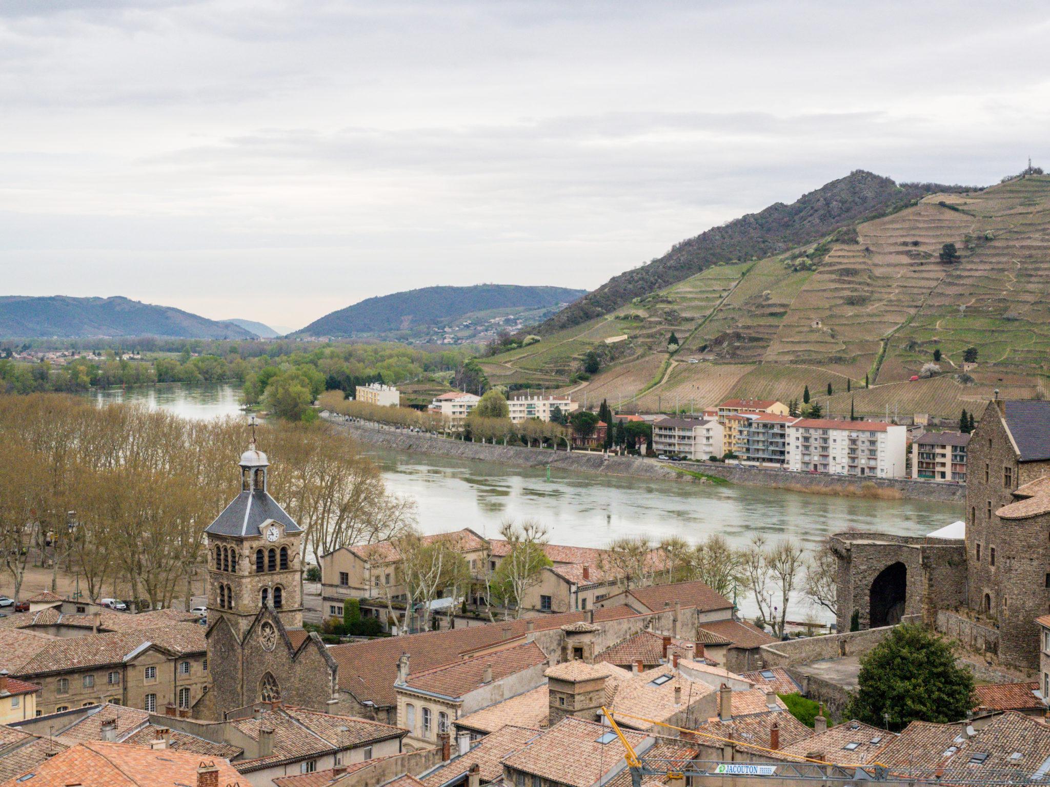 Cruising through Provence and Burgundy | WORLD OF WANDERLUST