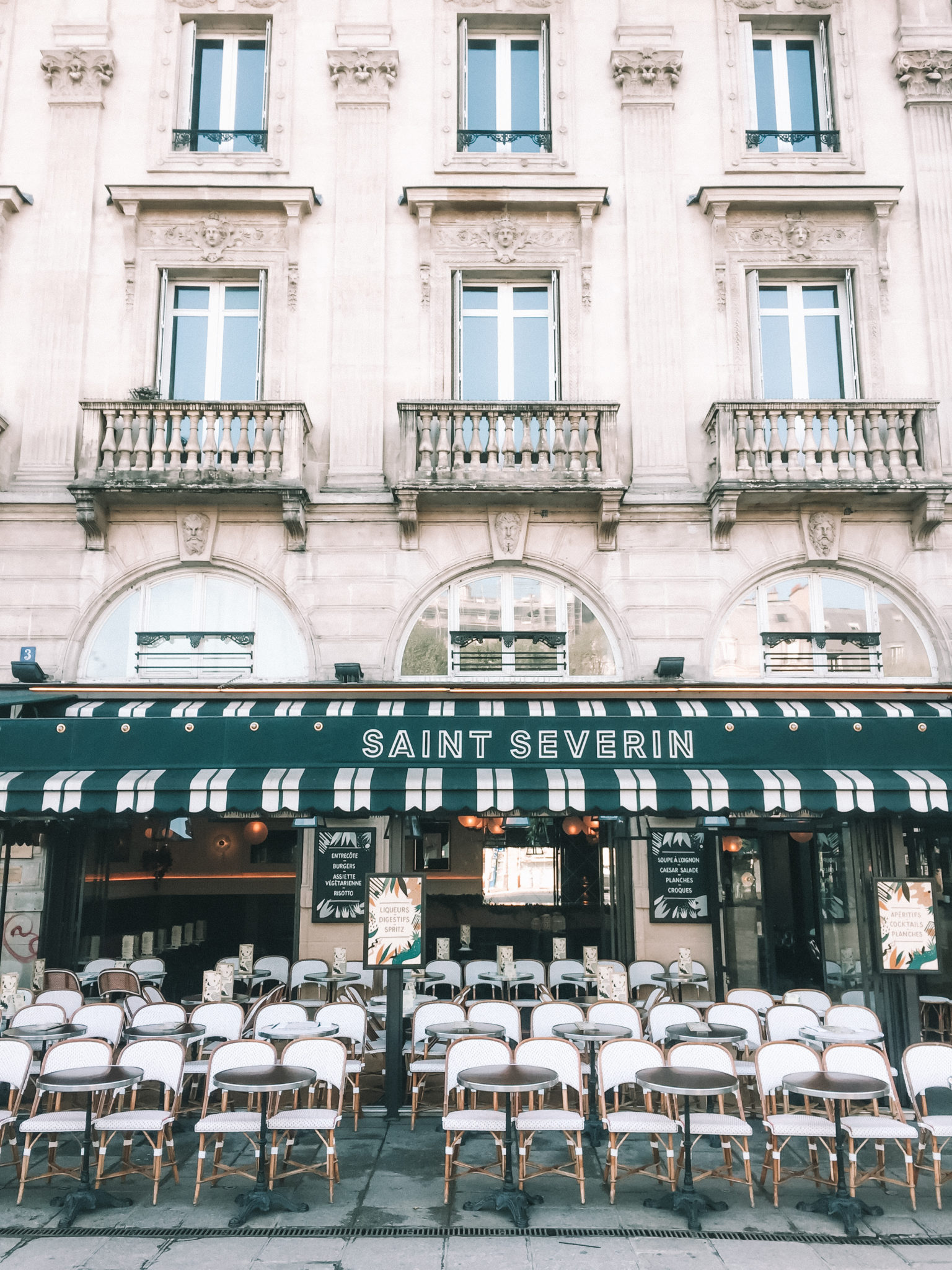 Solo in Paris | WORLD OF WANDERLUST