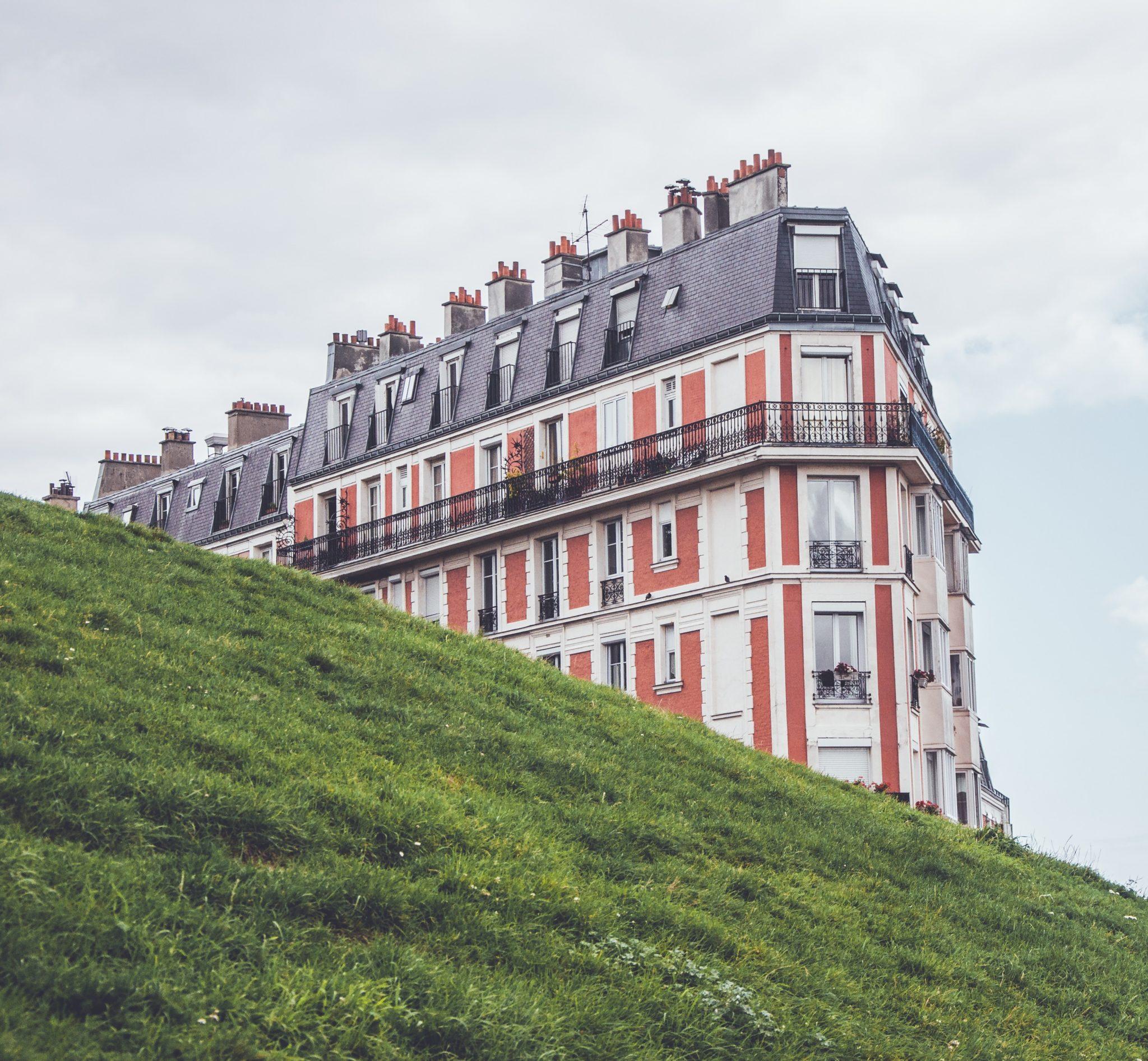 Sinking_House_Paris
