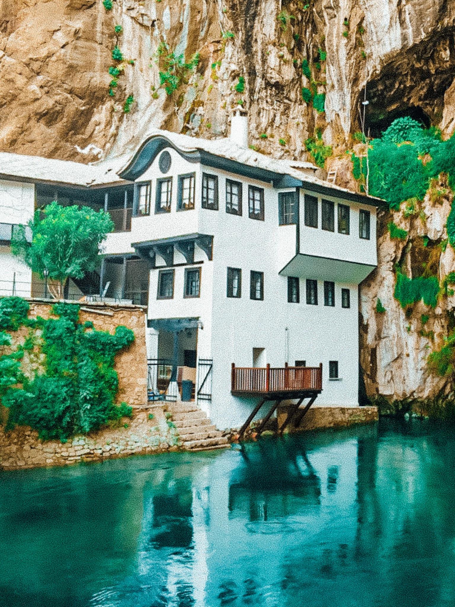 Mostar Bosnia | WORLD OF WANDERLUST