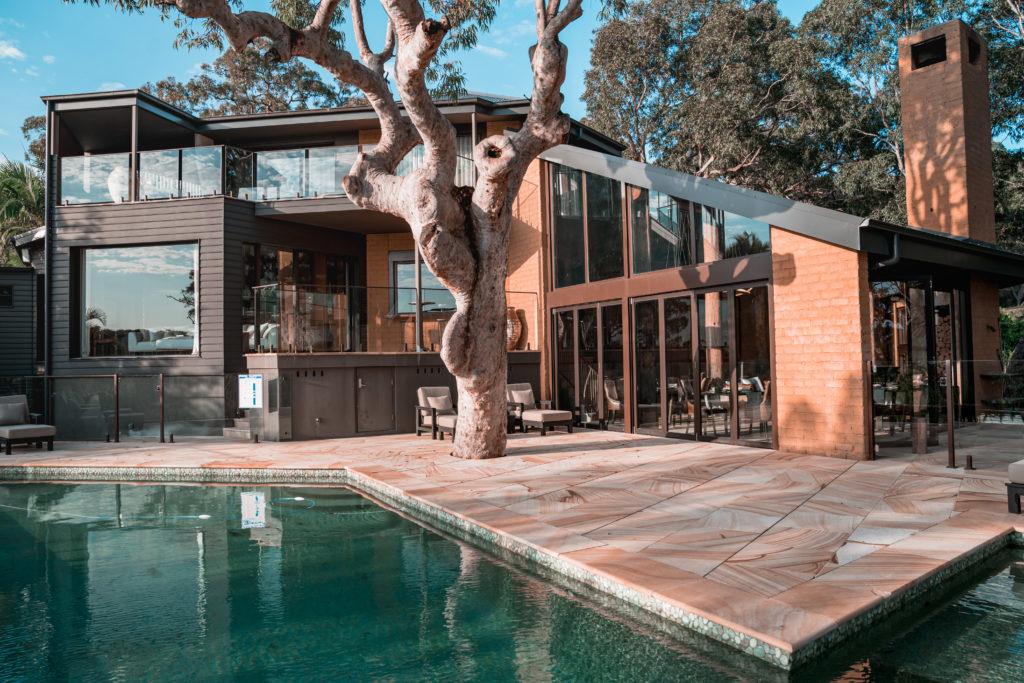 Pretty beach house | WORLD OF WANDERLUST