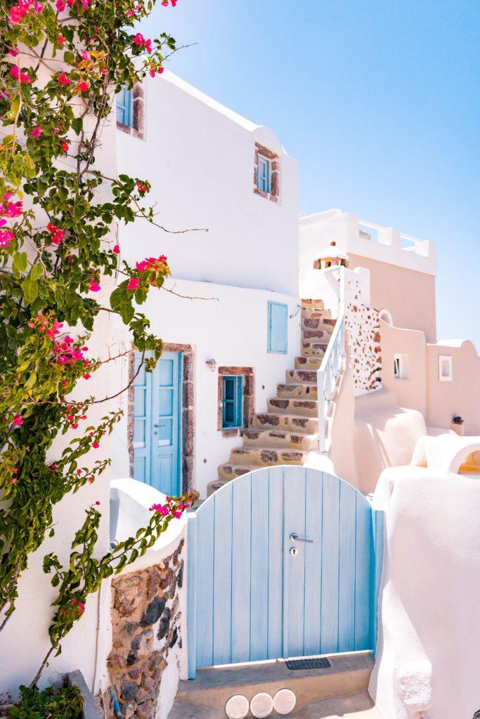Santorini travel guide | World of Wanderlust