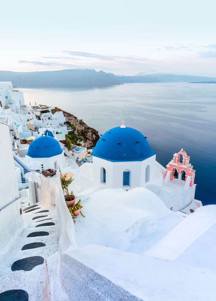 Santorini travel guide | World of Wanderlust