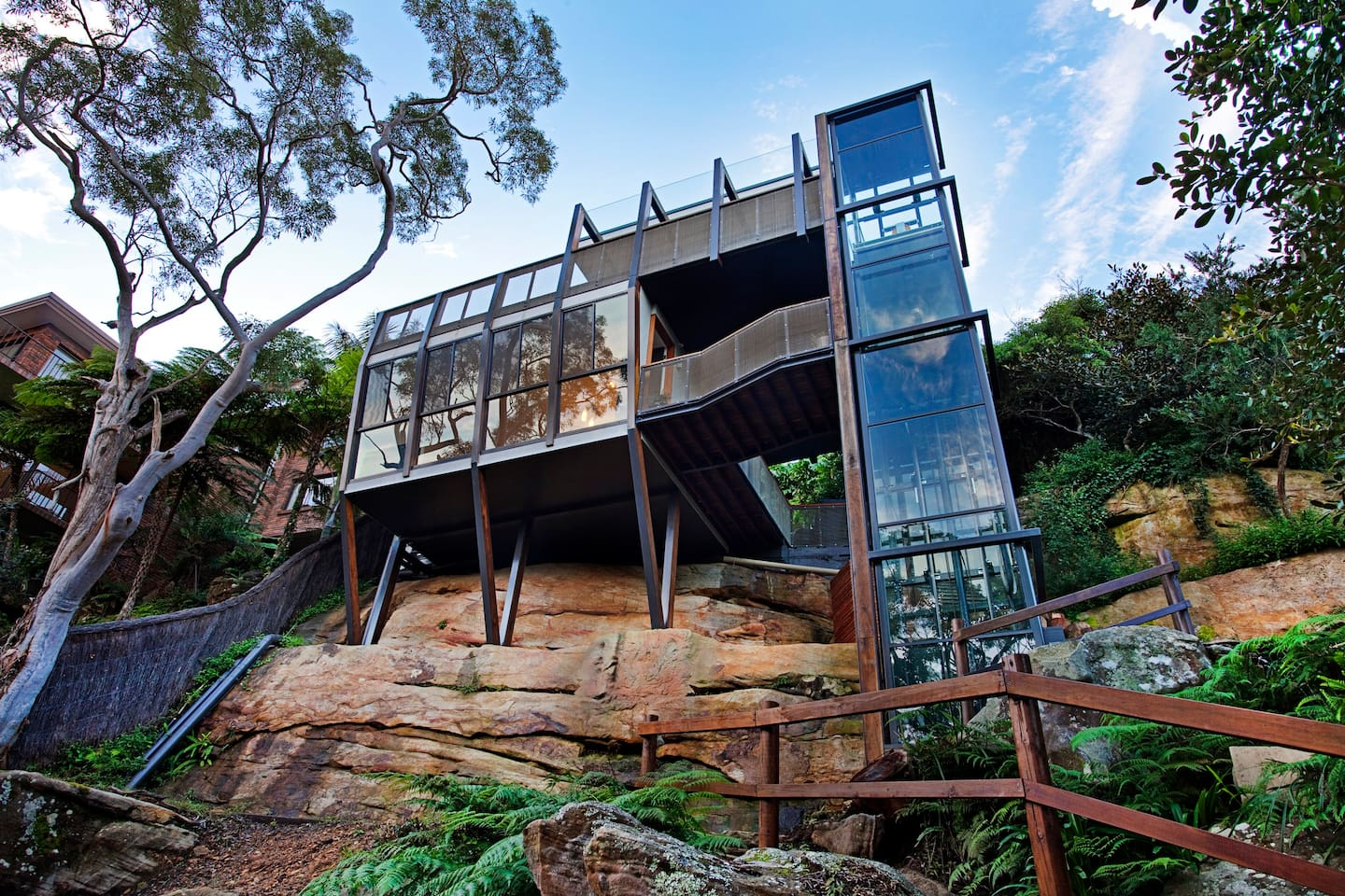 Treehouse near Sydney